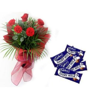 Midnight Delivery of Fresh Flowers with chocolates in Ajmer