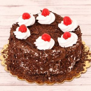 Lovely Black Forest Cake : GftzBag