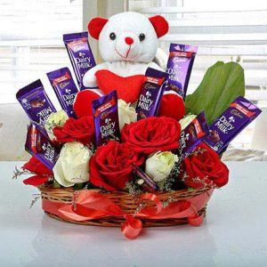online red roses flowers bouquets with chocolates delivery in India