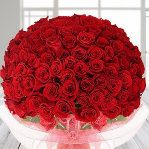 250 red roses arrangement