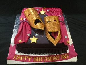 World is Stage Mask Cake 2 Kg