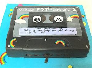 Musical Cassette Cake 1 kg