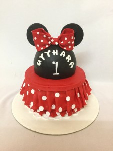 Minnie dress Birthday cake