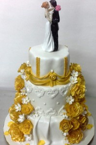 Engagement Cake - Golden Roses