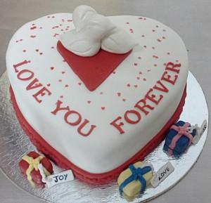Love 4 Ever Valentine Cake