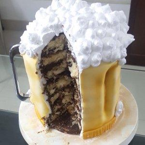Structure Beer Mug Cake
