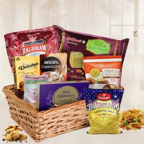 Amazing Gift Hamper Basket With Assorted Items