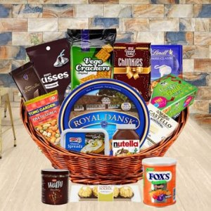 Exquisite Gourmet Basket