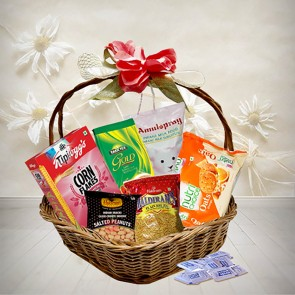 Delicate Food Hamper by Kellogs