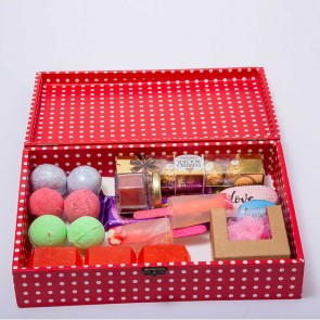 Gift Love Soap With Scented Candle And Chocolate