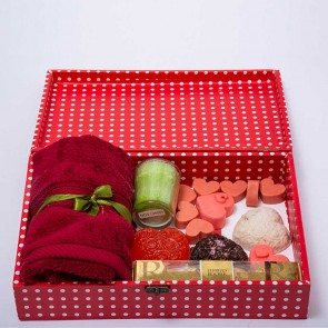 Gift Hamper Candle With Soap And Chocolate
