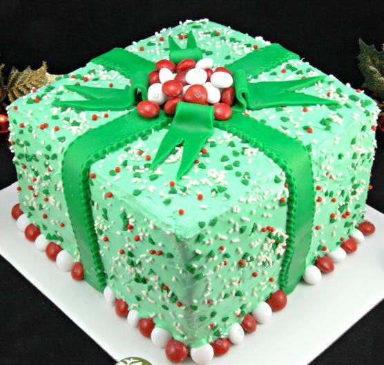 Pinata Gift Cake